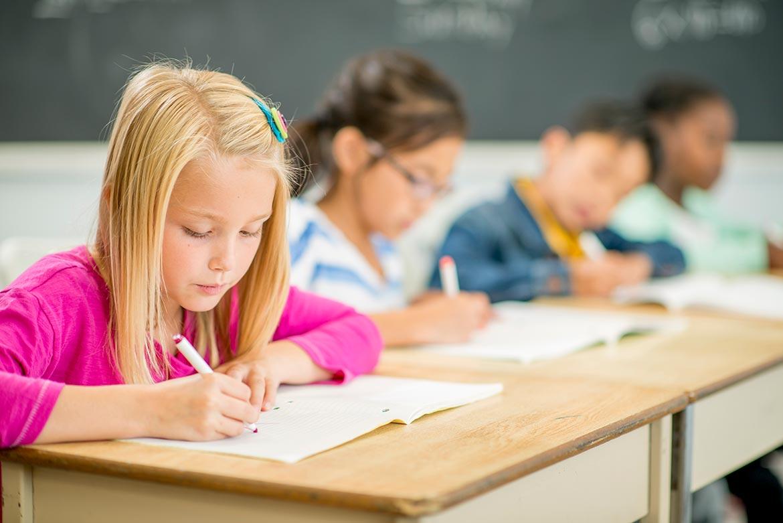 Școli particulare - copii cu aviz psihosomatic favorabil să meargă la școală