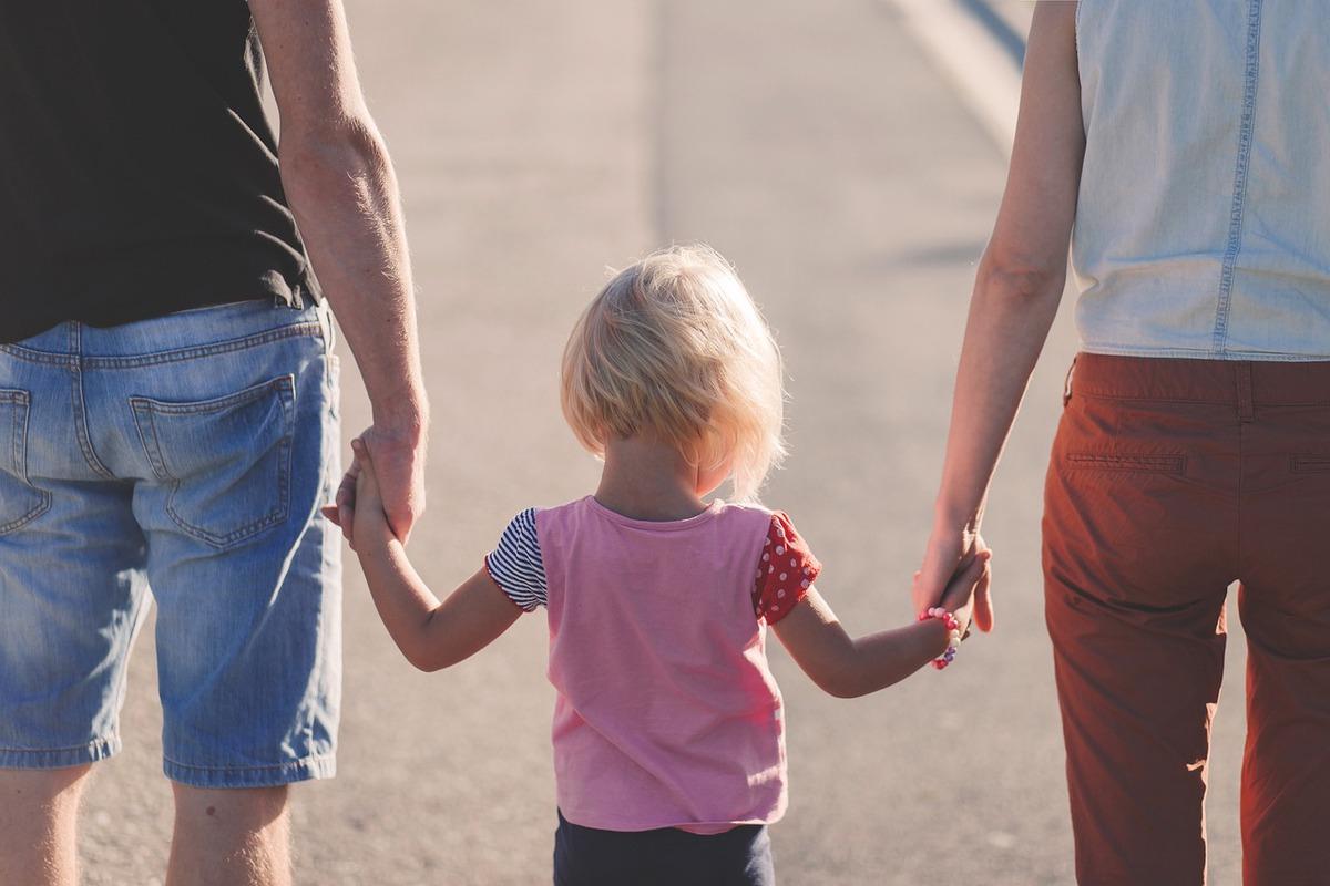 Site-uri de dating care se adresează în mod specific părinților singuri