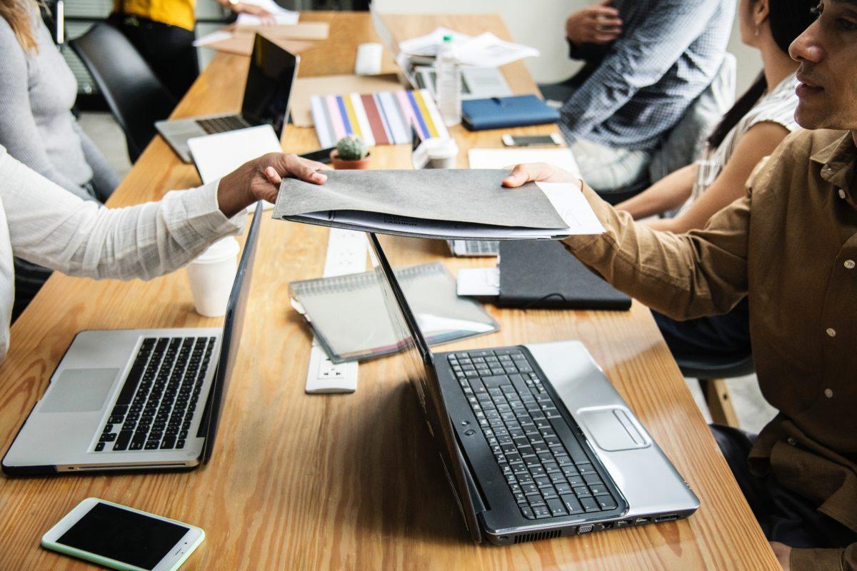Primăria Arad a semnat un parteneriat cu 12 operatori economici pentru formarea profesională în sistem dual