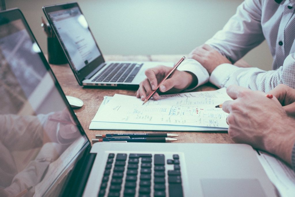 Freelancer - Ce este, Cadru legal, Joburi, Beneficii si Riscuri - Calculator Venituri