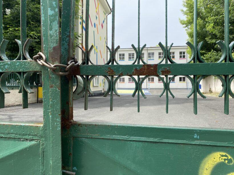 Inchidere scoli pe fondul crizei sanitare. Tot mai multe tari si regiuni europene au decis sa opreasca accesul elevilor in scoli.