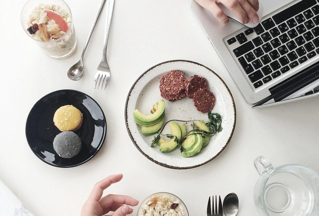 Ce înseamnă să mănânci sănătos și exemple de activități ...