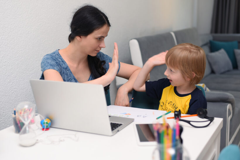 Munca de acasă și îngrijirea copiilor